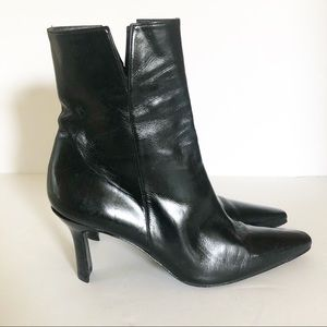 Stuart Weitzman Black Leather Ankle Boots